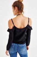 Bayan Siyah Omuzları Açık Fırfır Detaylı Bluz