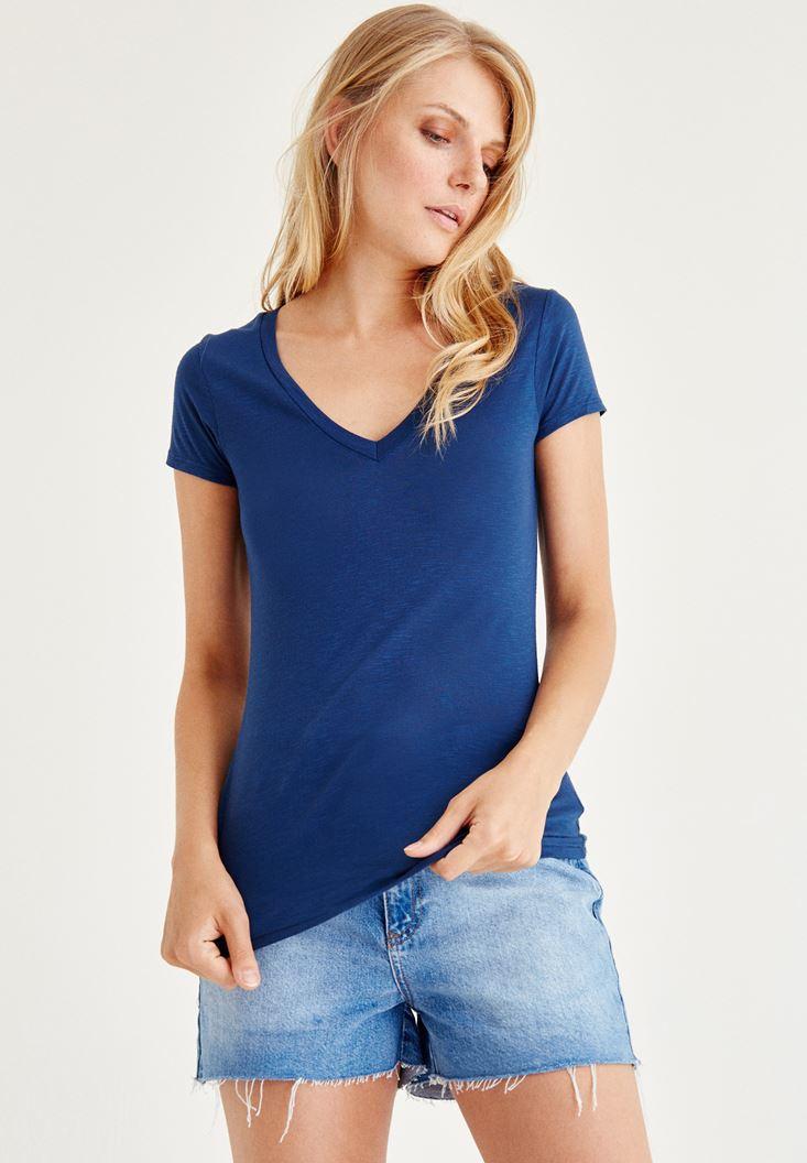 Mavi V Yaka Yarım Kollu Tişört