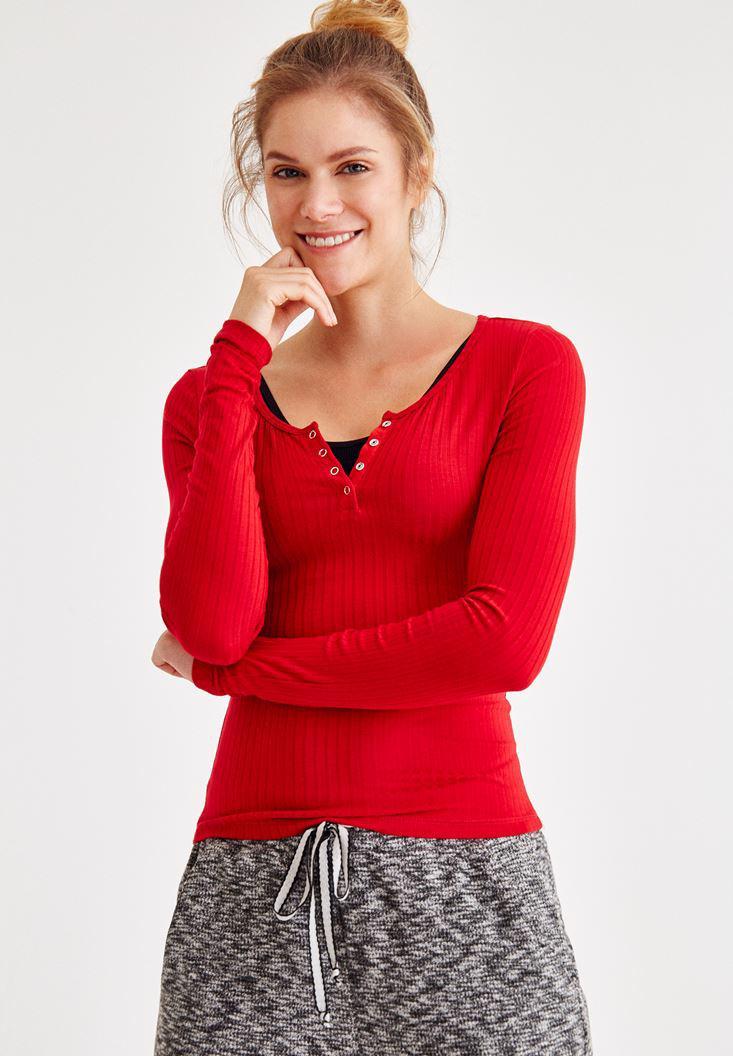 Bayan Kırmızı Yaka Detaylı Uzun Kollu Tişört