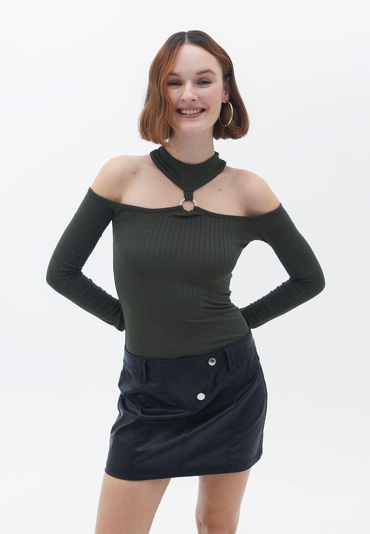 Yeşil Omuz Dekolteli Halka Detaylı Bluz