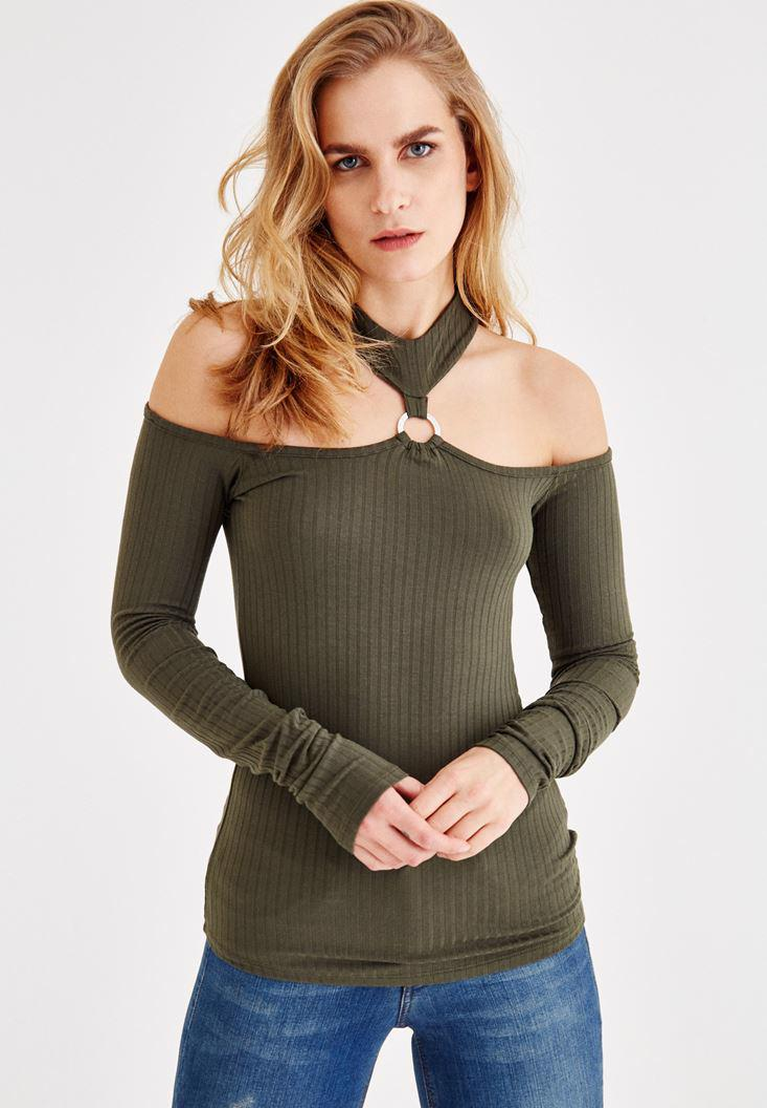 Bayan Yeşil Omuz Dekolteli Halka Detaylı Bluz