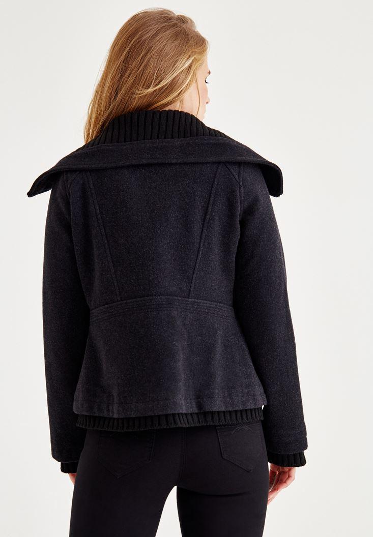 Bayan Siyah Cepli Yün Ceket