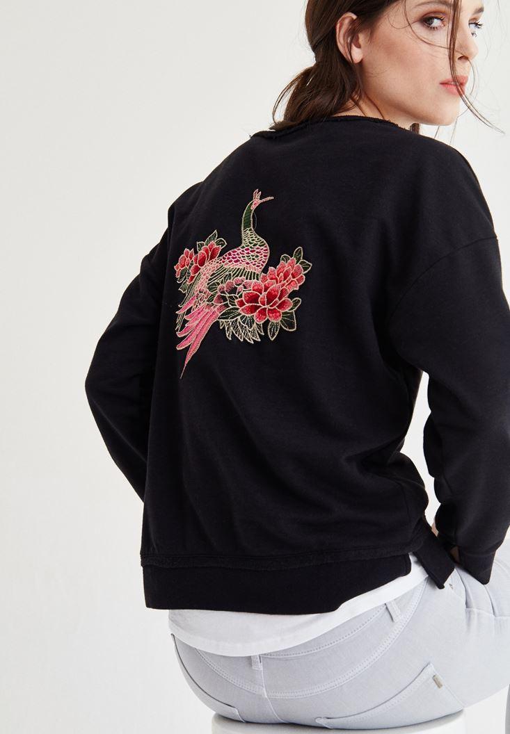 Siyah Sırtı Nakış Detaylı Sweatshirt