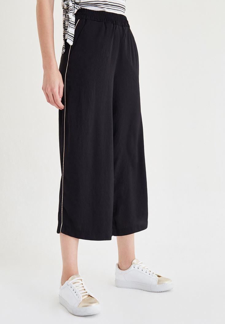 Siyah Yanları Şeritli Bol Kesim Pantolon