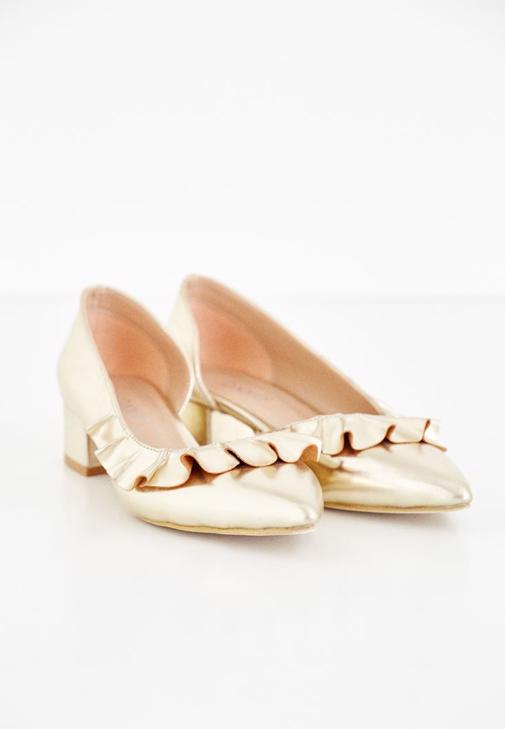Altın Fırfır Detaylı Ayakkabı