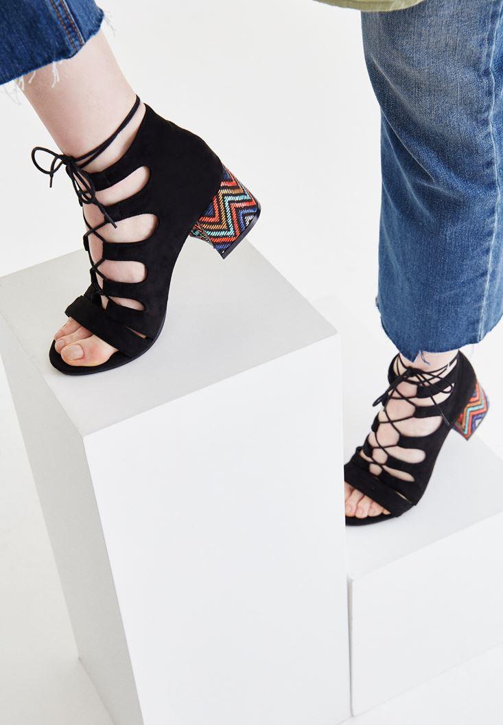 Bayan Siyah Topuk Detaylı Ayakkabı