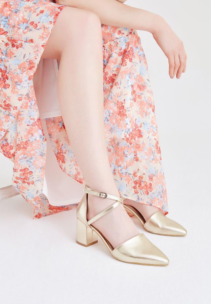 Altın Sivri Burunlu Topuklu Ayakkabı