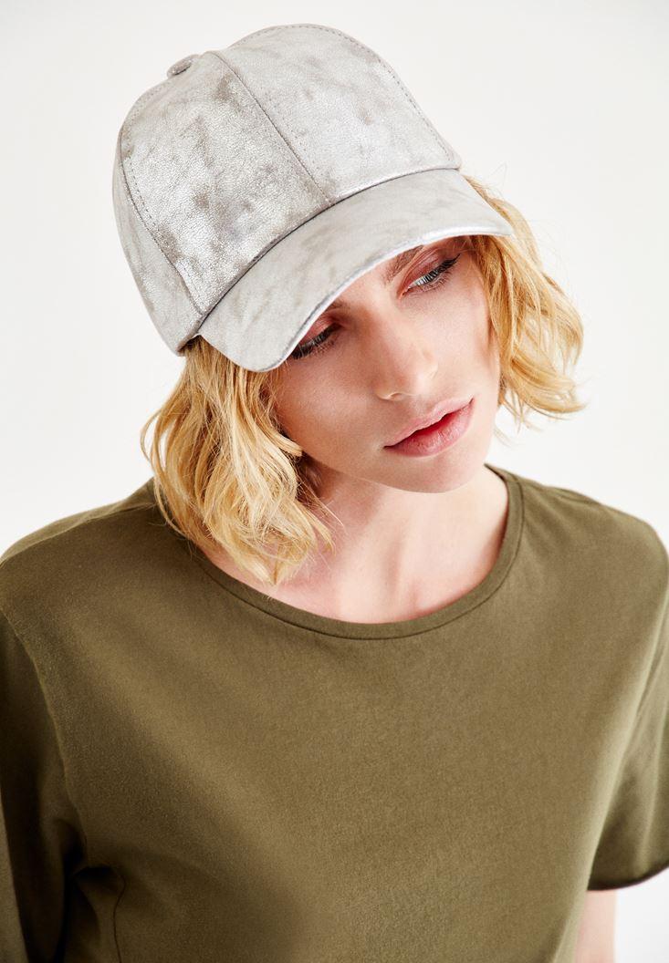Bayan Gri Parlak Görünümlü Şapka