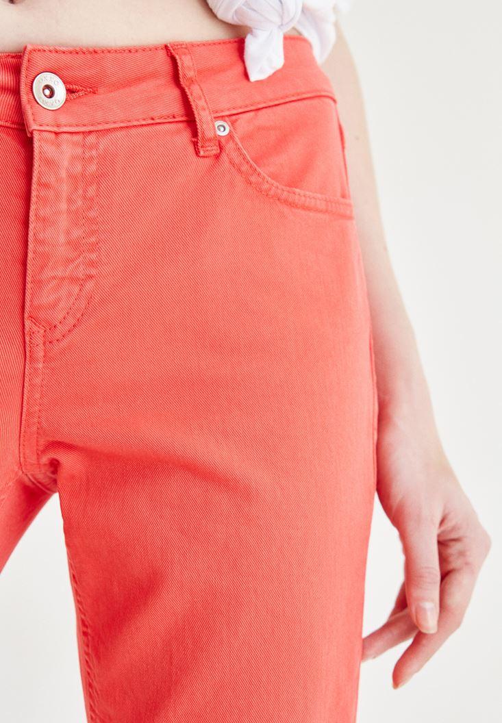 Bayan Kırmızı Kısa Paça Slim Boyfriend Pantolon