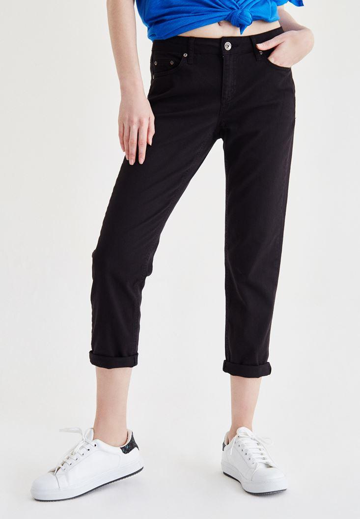 Siyah Kısa Paça Slim Boyfriend Pantolon