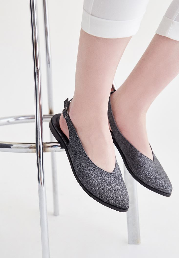 Gri Arkası Açık Ayakkabı