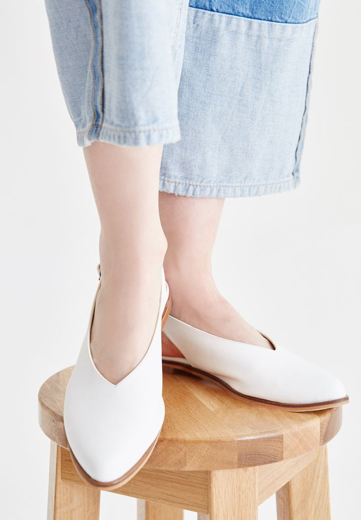 Beyaz Arkası Açık Ayakkabı