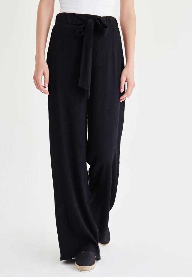 Siyah Beli Kuşak Detaylı Bol Pantolon