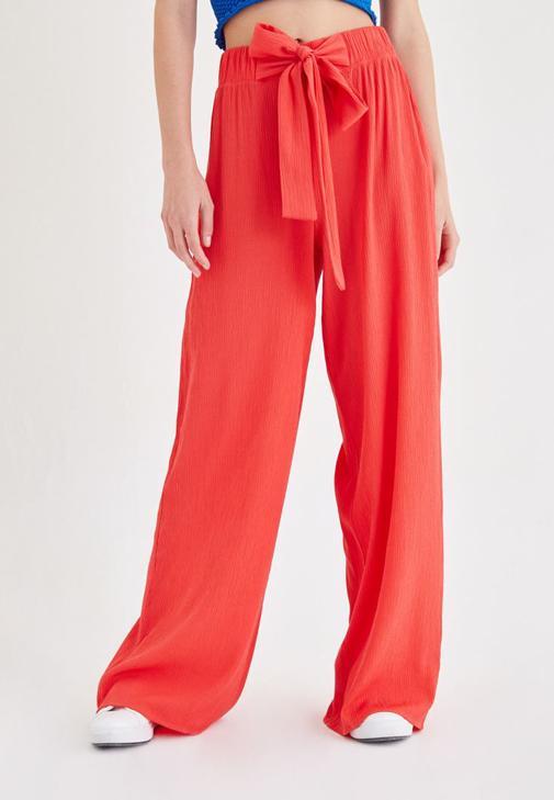 Kırmızı Beli Kuşak Detaylı Bol Pantolon