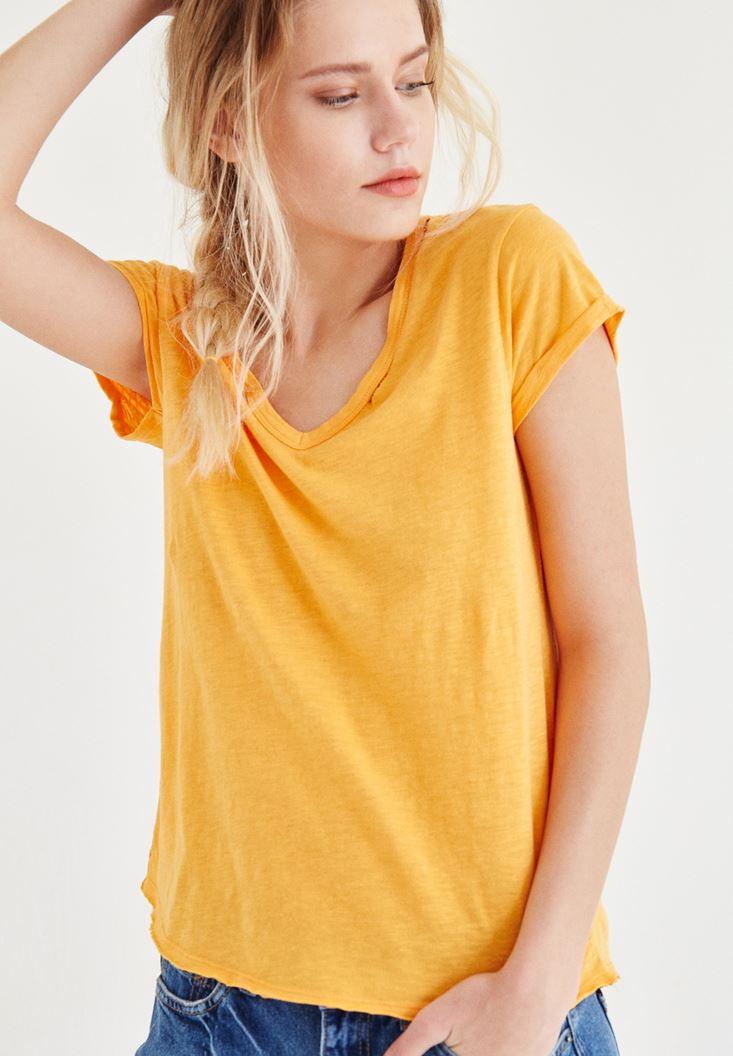Bayan Turuncu Yaka Detaylı Tişört