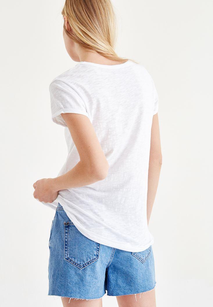 Bayan Beyaz Yaka Detaylı Tişört