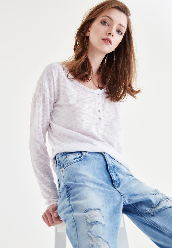 Beyaz Uzun Kollu Düğmeli Tişört