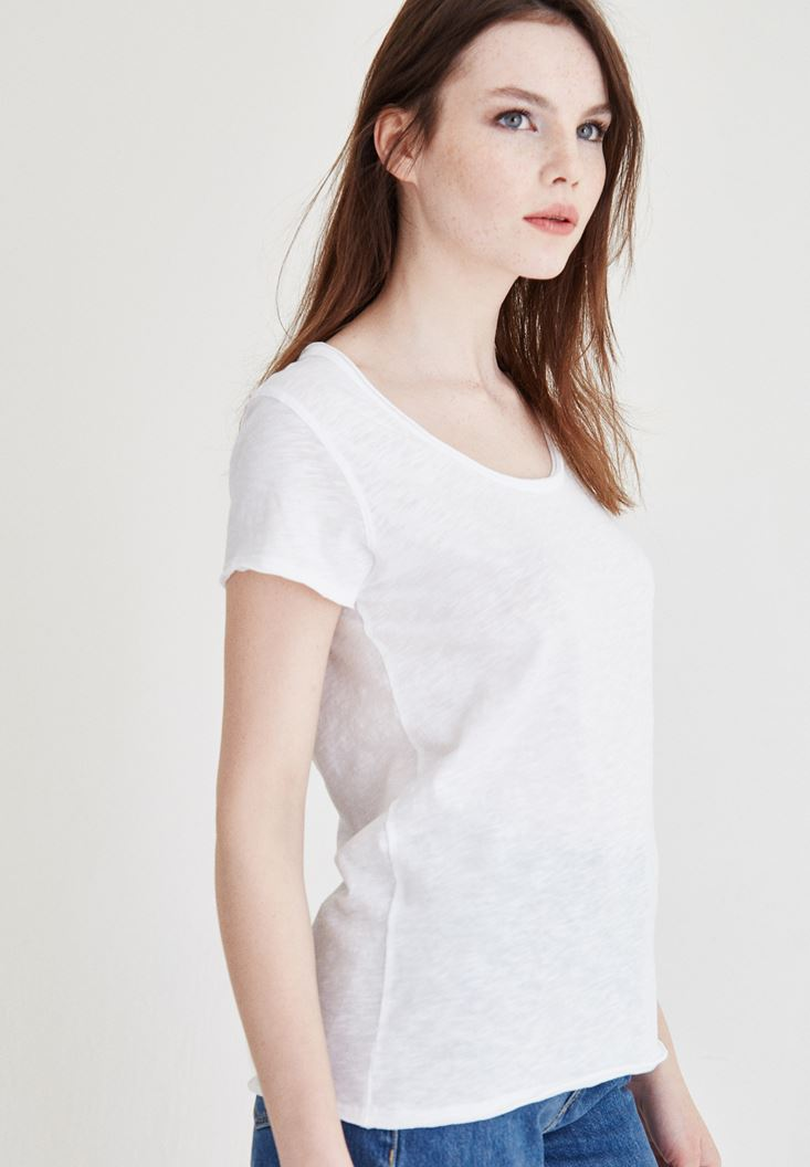 Beyaz U Yaka Basic Pamuklu Tişört