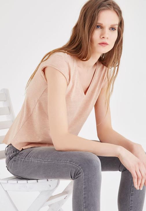 Kahverengi V Yaka Basic Tişört