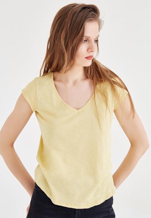 Sarı V Yaka Basic Tişört