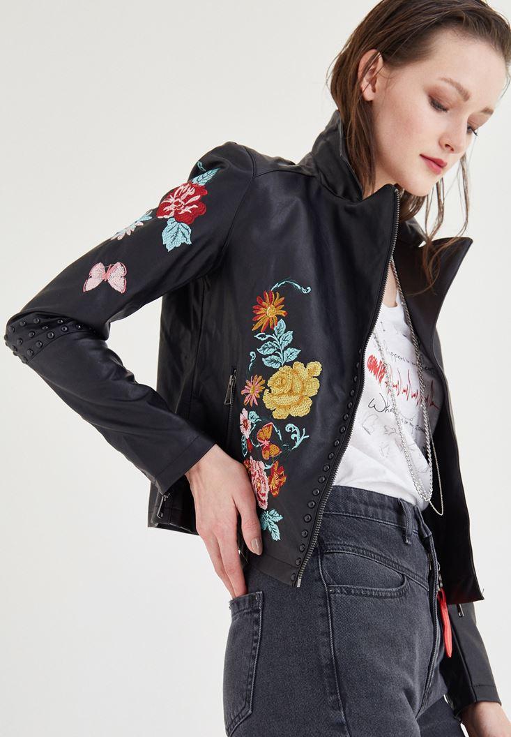 Siyah Nakış Detaylı Ceket