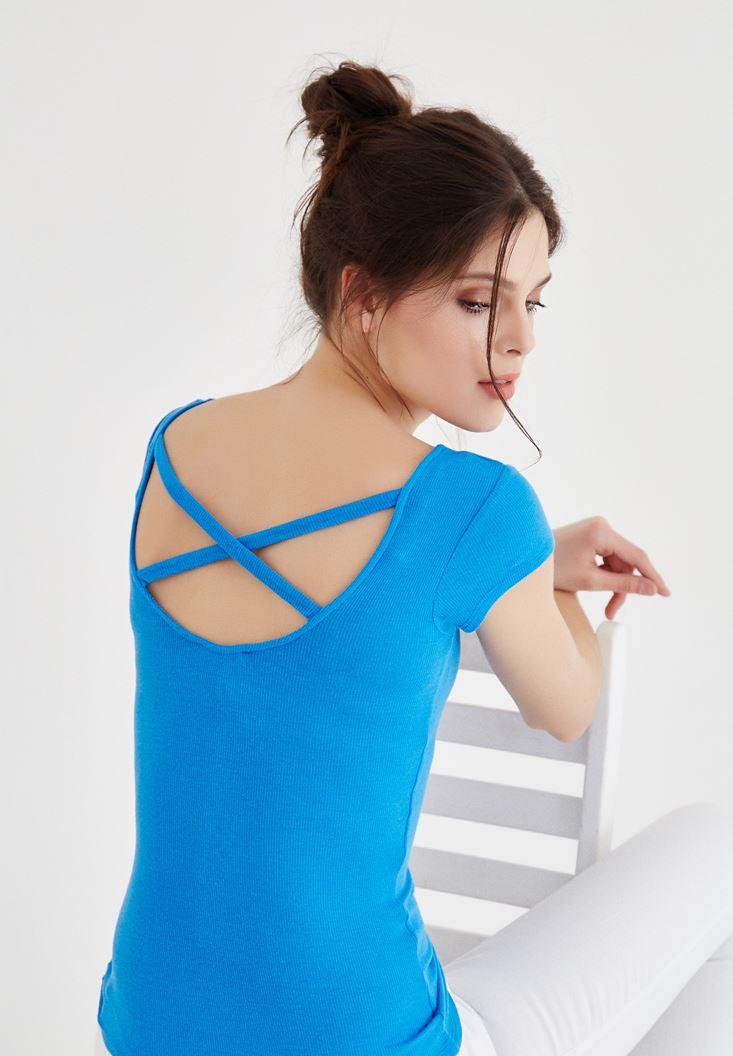 Mavi Geniş Yaka Sırt Detaylı Tişört