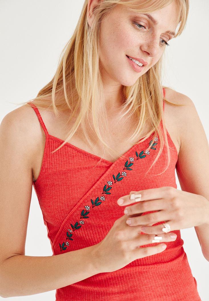 Kırmızı İşlemeli Bluz