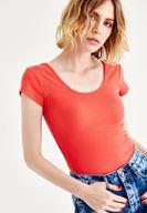 Bayan Kırmızı Yarım Kollu Basic Tişört