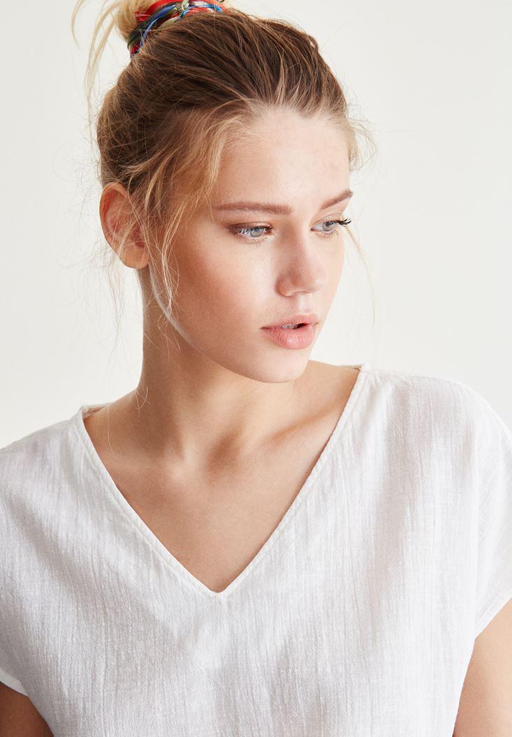 Bayan Beyaz Sırt Detaylı Bluz