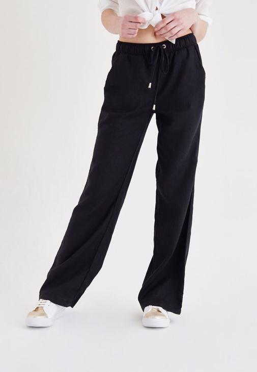 Siyah Bağcık Detaylı Pantolon