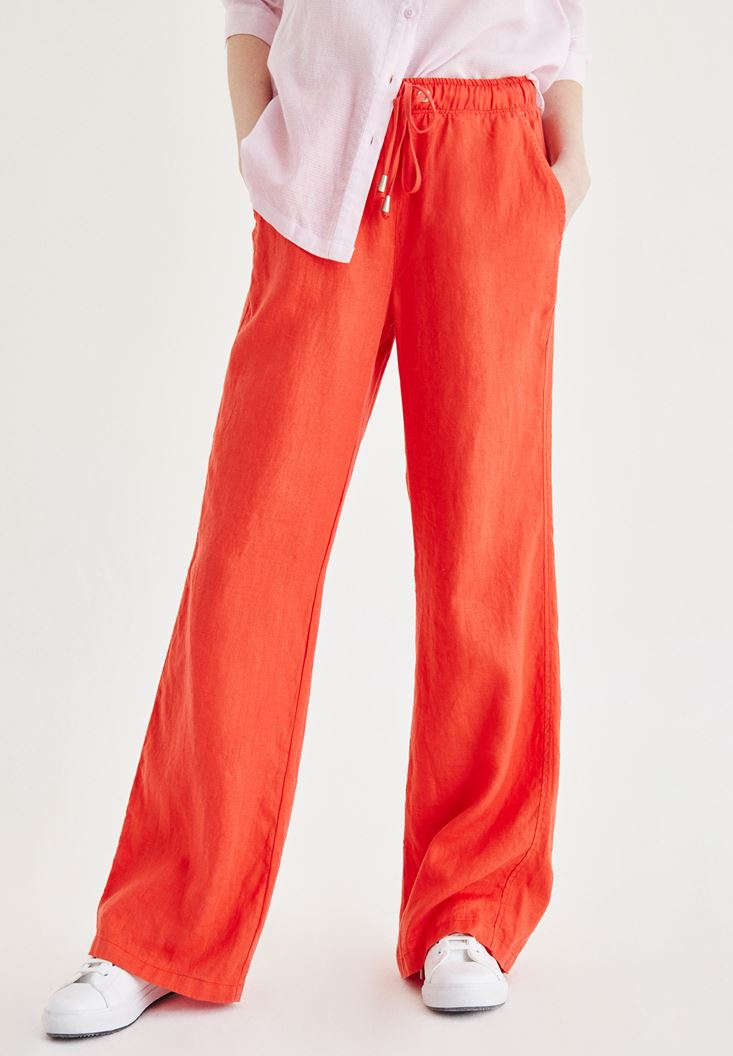 Kırmızı Bağcık Detaylı Pantolon