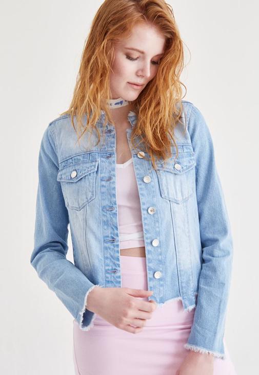 Mavi Manşet Detaylı Jean Ceket