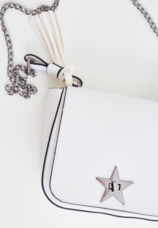 Beyaz Yıldız Detaylı Askılı Çanta