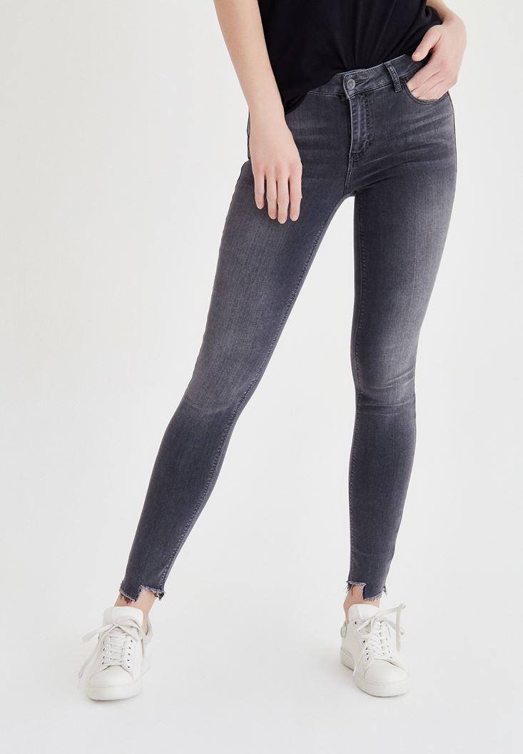 Gri Düşük Bel Paça Detaylı Pantolon