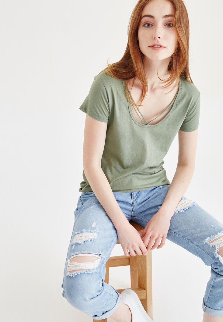 Yeşil Biye Detaylı Tişört