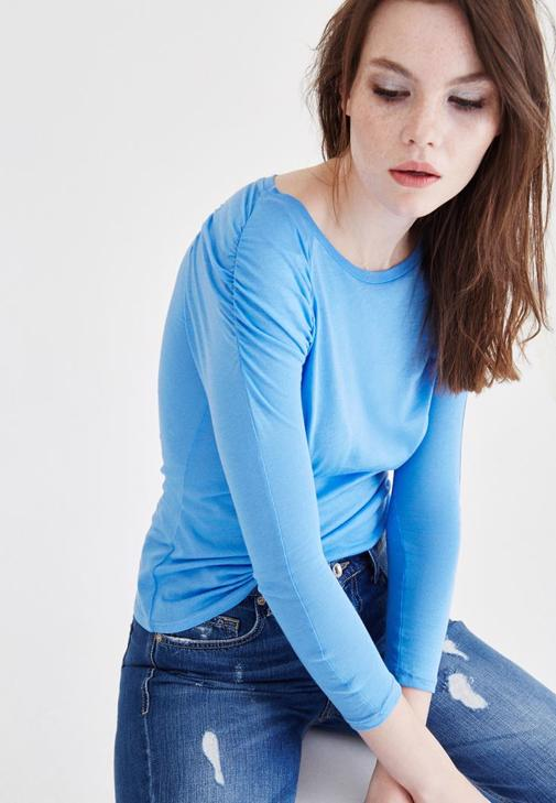 Mavi Kolları Büzgülü Bluz