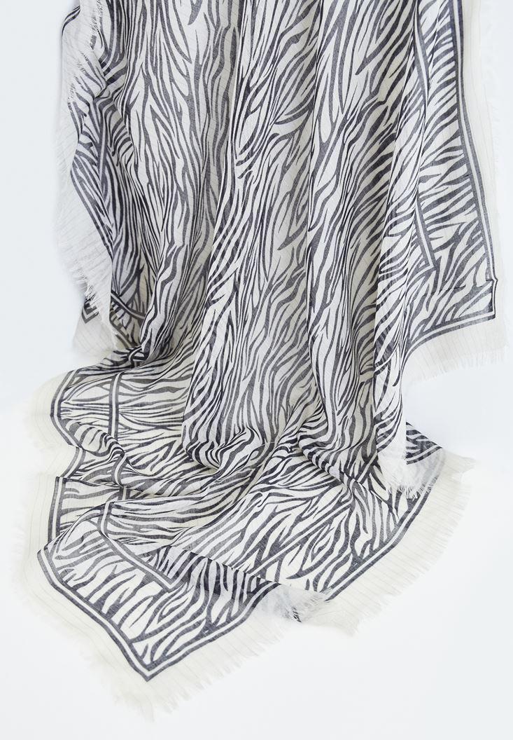 Siyah Zebra Desenli Püskül Detaylı Şal