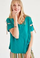 Bayan Yeşil Bağlama Detaylı Tişört