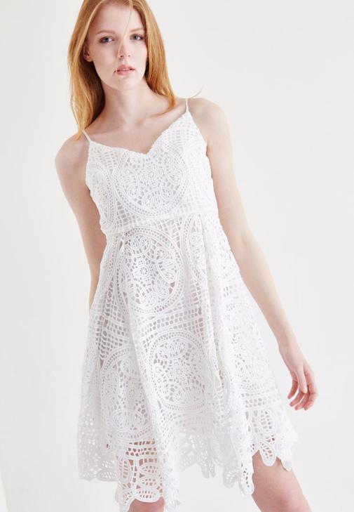 Beyaz Dantel Elbise