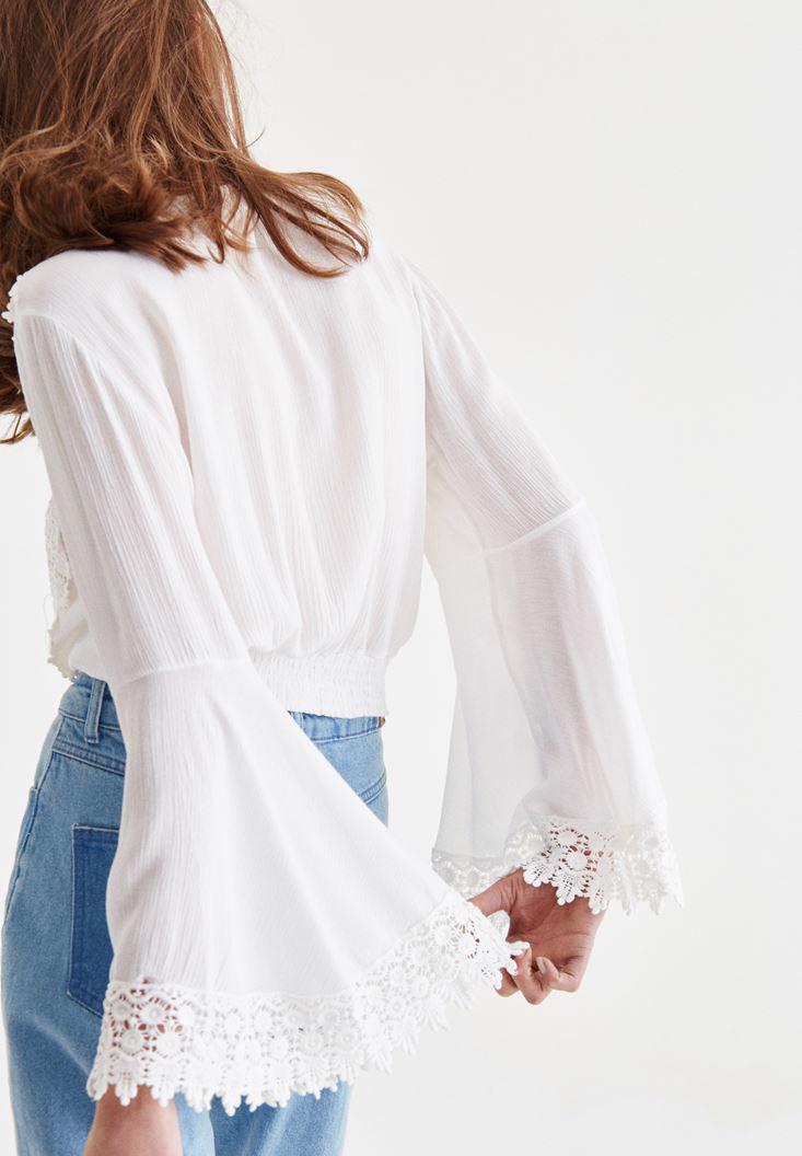 Bayan Beyaz Dantel İşlemeli Crop Bluz