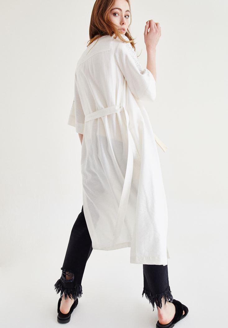 Krem Kolları Slogan Detaylı Kimono