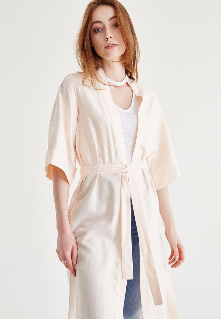 Bayan Krem Kolları Slogan Detaylı Kimono