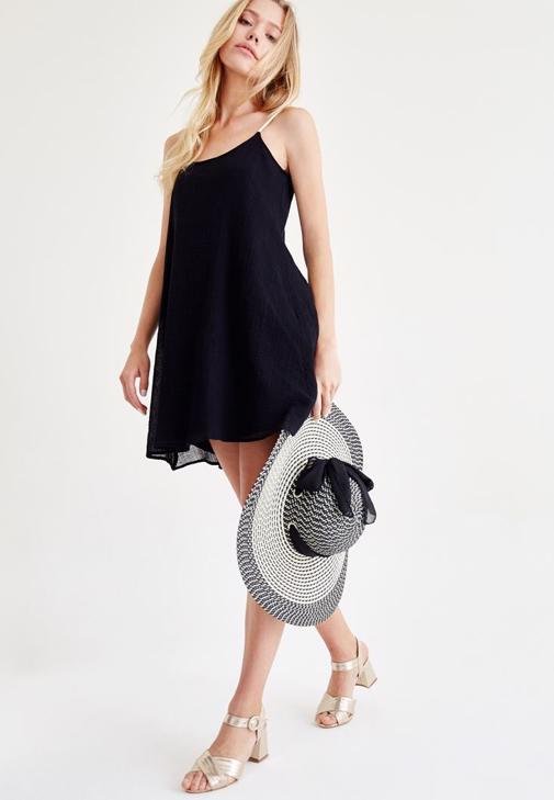 Siyah Askılı Mini Elbise