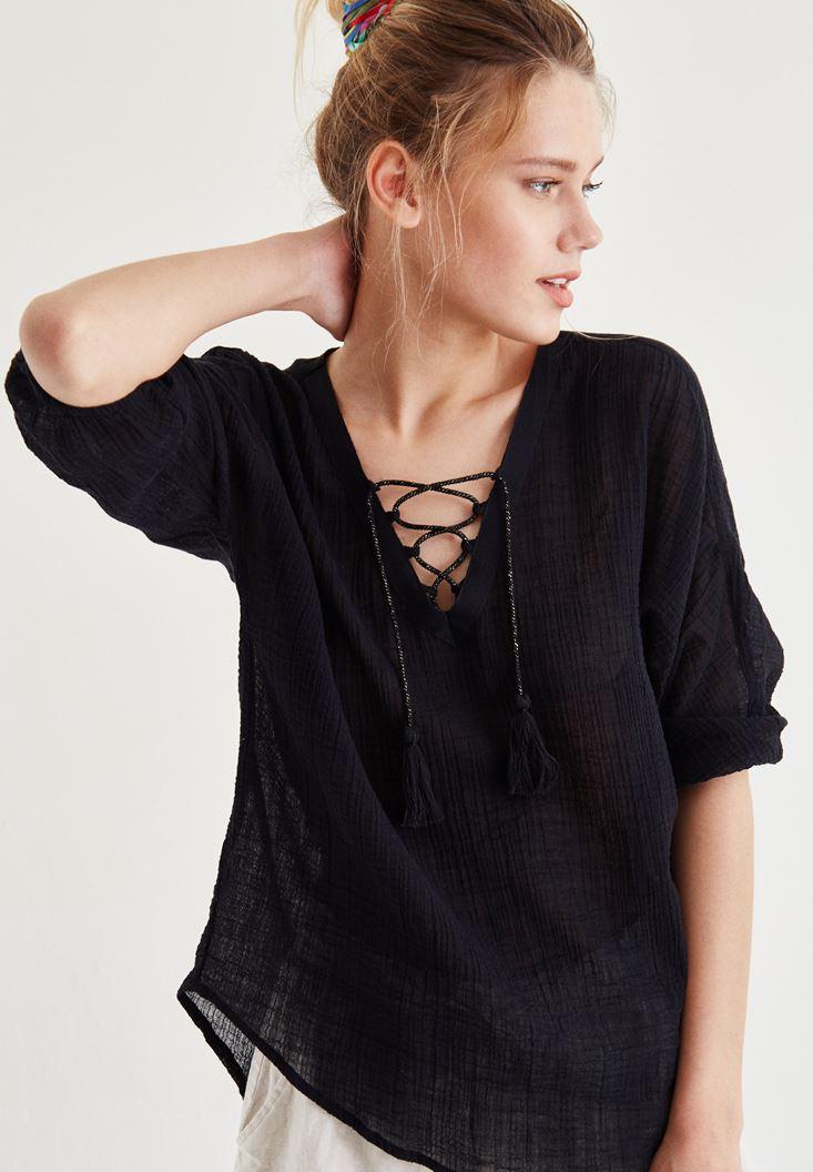 Bayan Siyah Yakası İp Detaylı Bluz