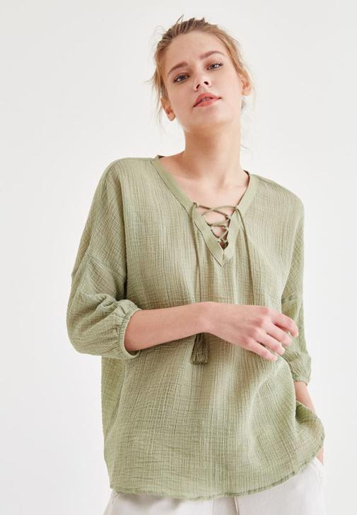 Yeşil Yakası İp Detaylı Bluz