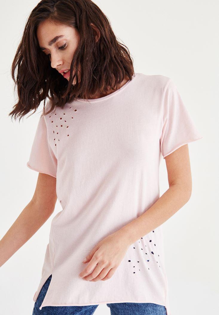 Pembe Yırtık Detaylı Tişört