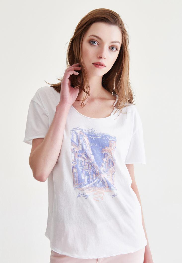 Beyaz Sokak Baskılı Tişört