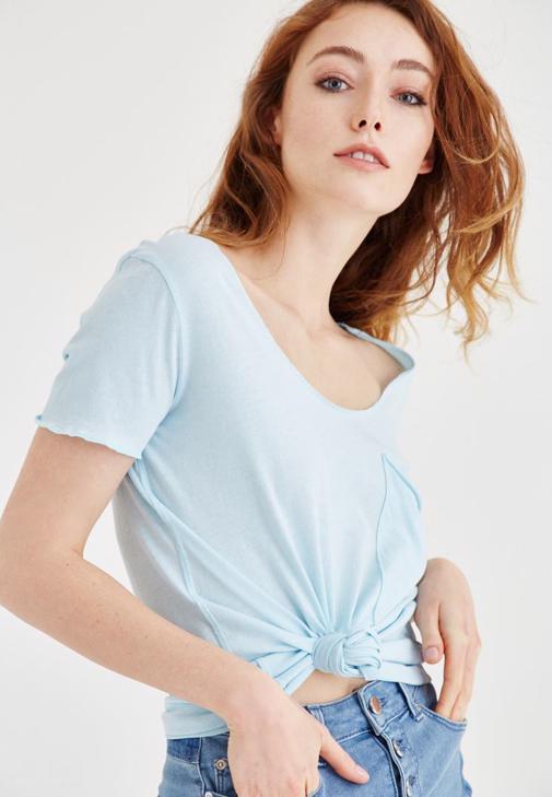 Mavi Geniş Yaka Cep Detaylı Tişört