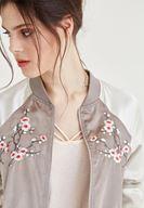 Bayan Krem Çiçek Nakışlı Saten Bomber Ceket