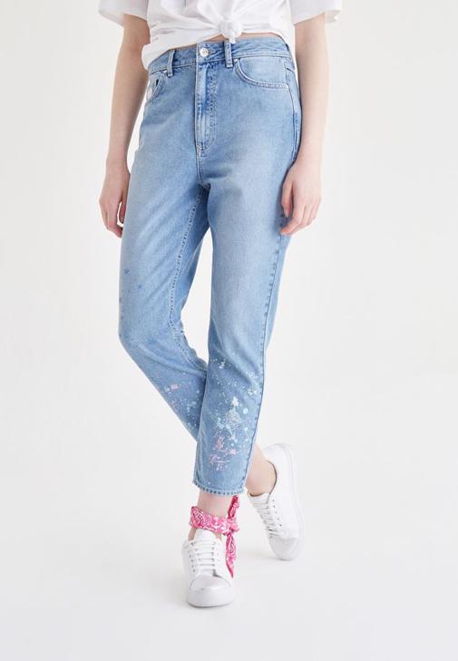 Mavi Boya Sıçratma Detaylı Jean